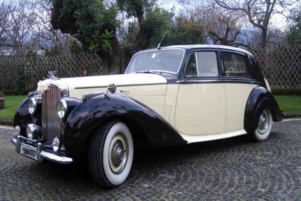 Bentley MK6 Saloon del 1948 Bicolore