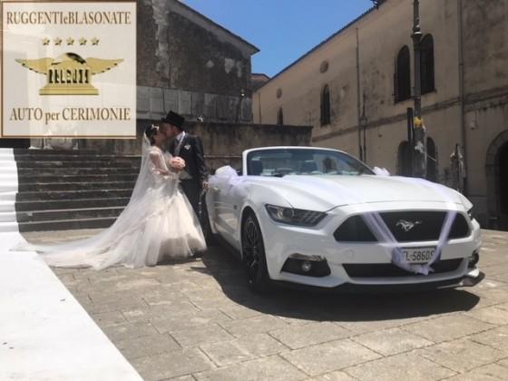- MUSTANG GT 5.0 CABRIOLET 4 POSTI - € 800 CON AUTISTA - €1000 SENZA AUTISTA
