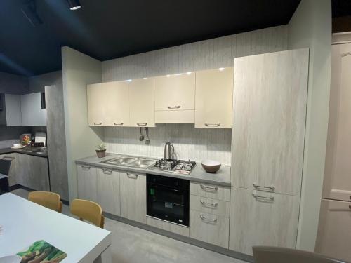 Cucina L.300cm a €1890,00