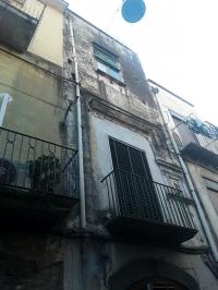 Quadrilocale mq.85 ca. in via Abignente 2° piano
