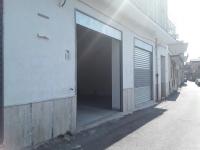 Locali commerciali in via Livenza
