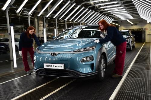 Hyundai aumenta la produzione della nuova Hyundai Kona Electric