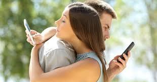 Quando il semplice flirt diventa tradimento social  #Microcheating