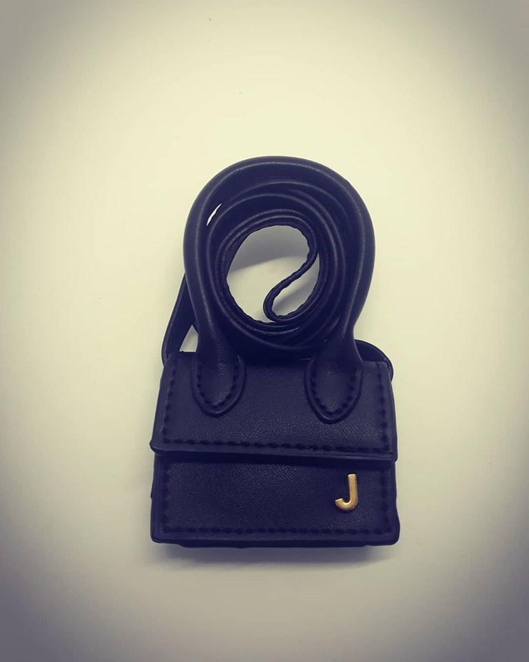 mini pochette nera