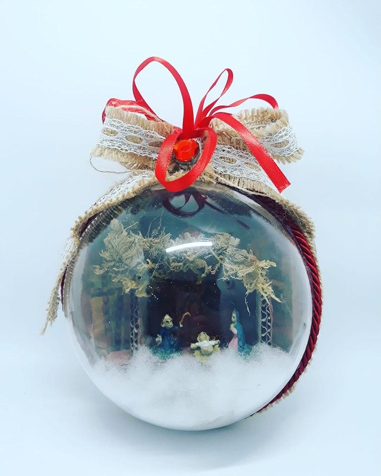 palla natalizia rossa