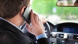 Cellulare alla guida? In arrivo maxi multe e sospensione patente