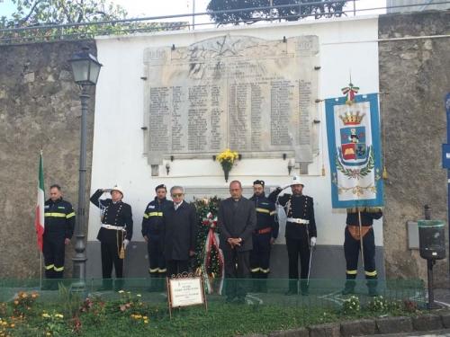 Commemorazione dei defunti di guerra a Penta domenica 8 novembre 2014. Il ricordo dell'ex sindaco e neoconsigliere regionale Tommaso Amabile ai suoi concittadini