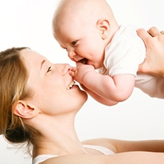 Riposi allattamento: Retribuzione piena ma nessun buono pasto se si lavora meno di 6 ore al giorno